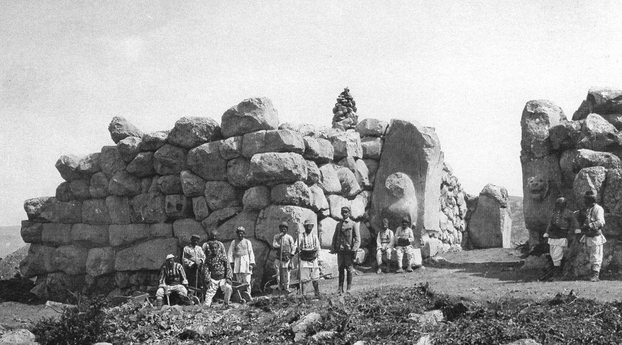 Grabung von otto Puchstein am Löwentor in Bogazköy 1907